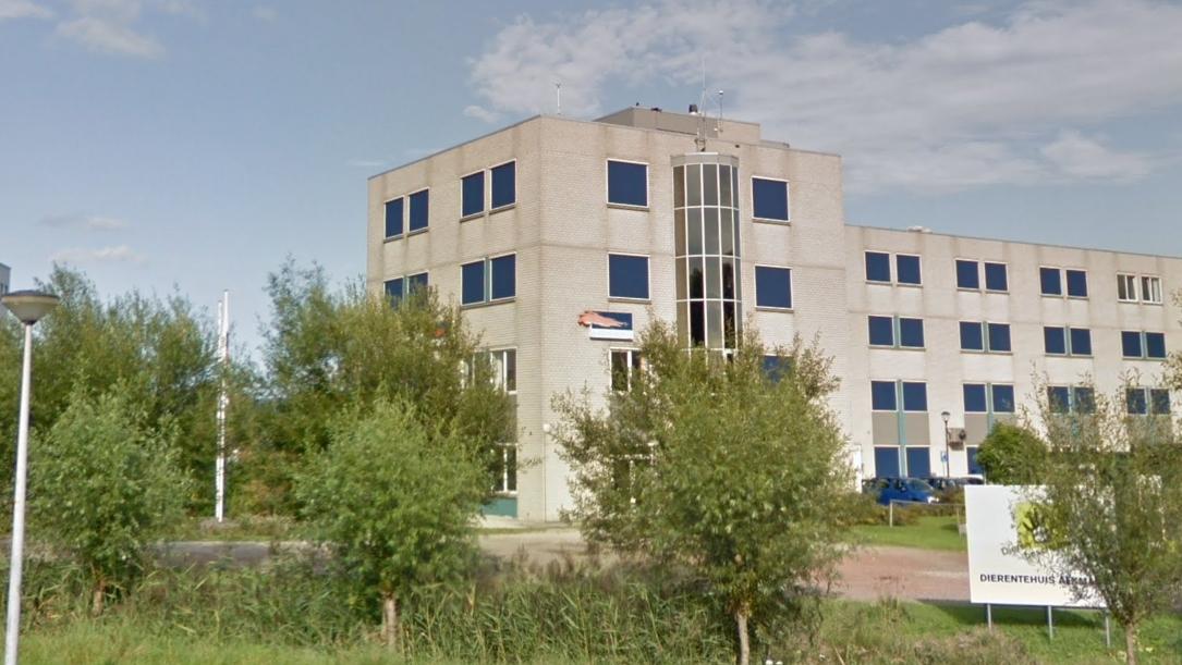 De nieuwe werkplek van Frits Westerkamp die als wethouder aan de slag gaat in Bergen