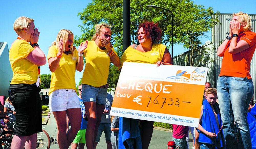 De organisatie van A Local Swim Schagen kan het bijna niet geloven. Zondag 8 juli is er een recordbedrag van 77.733 euro opgehaald. (Foto: Jolanda Jacobs Fotografie)