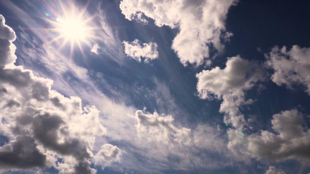 Zon en wolken wisselen elkaaar vandaag af