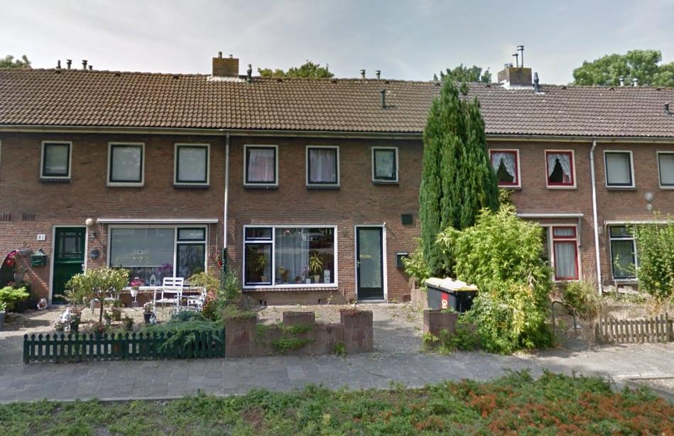 1 van de twee woningen aan de Korenstraat waar het allemaal om draait (Foto: GoogleMaps)